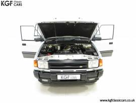 A Fabulous Land Rover Discovery XS 300Tdi, Altai Silver, £ 10,995