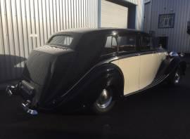 Rolls Royce Silver Wraith , Black/Beige, £ 44,950