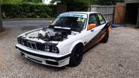 BMW E30 320i race car, £ 4,000